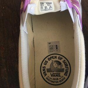 Vans Shoes - Vans canvas sneakers, like new
